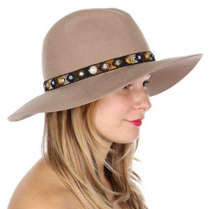 Wool embroidered floppy hat